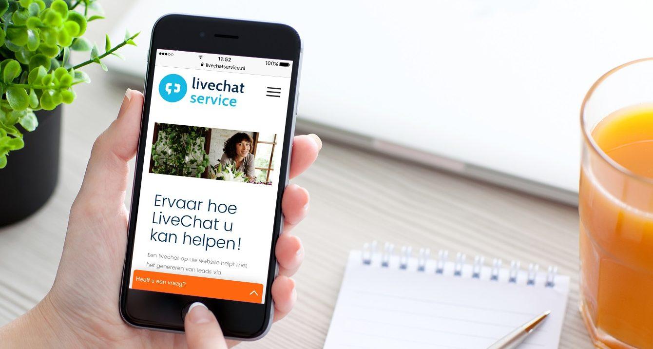 Als Livechat Service zijn we volledig toegewijd om binnenkomende livechats op de websites van onze klanten snel en accuraat te verwerken. Maar we kunnen ons voorstellen dat er ook via andere kanalen informatie wordt gevraagd zoals social media maar vooral ook via e-mail. Speciaal voor de mailtjes hebben wij in samenwerking met Tripolis, ontwikkelaar van technische oplossingen op het gebied vane-mailmarketing, mobile marketing en social marketing, een nieuwe feature ontwikkeld: ChatInMail.